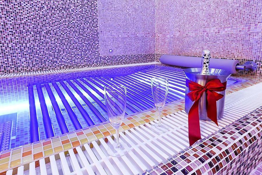 2 hodiny v privátním wellness se saunou a vířivkou v Praze