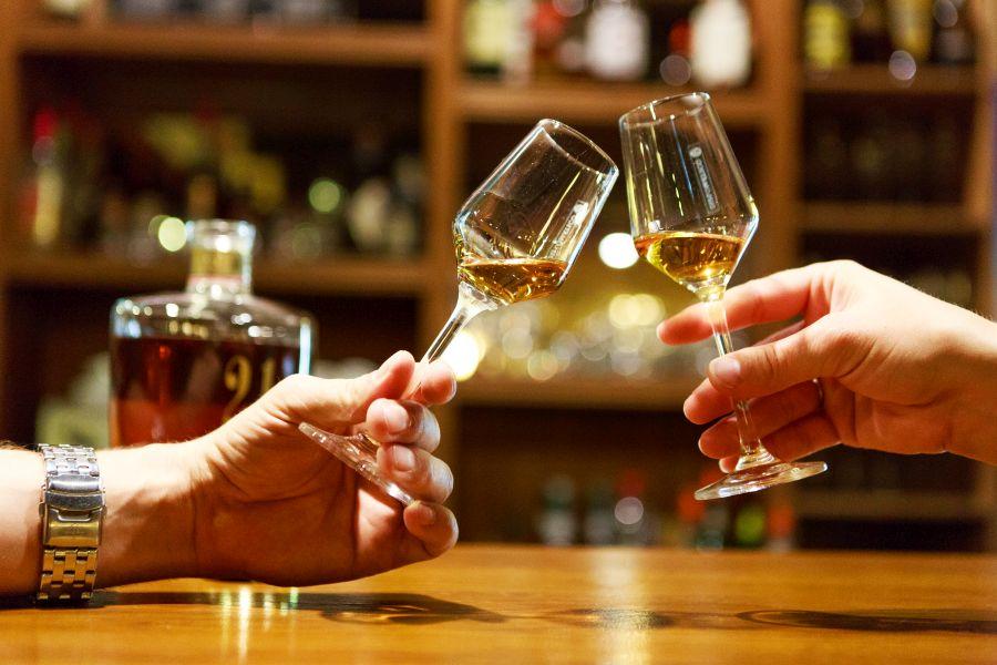 Degustace 6 druhů pálenek, likérů nebo ginů v Praze